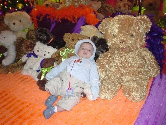 Kid with Teddy Bears